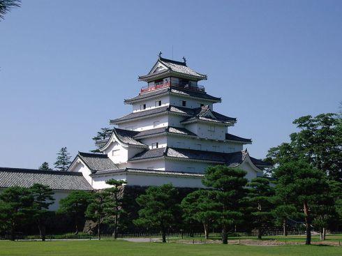 Tsuruga Castle in Fukushima (会津若松鶴ヶ城) Photo by Umako