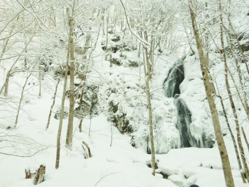 Frozen waterfall2 (640x480)